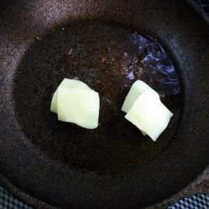 低糖質チーズバーガー チーズ乗せる