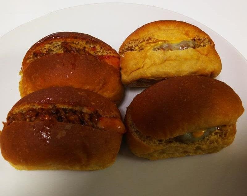 ローソンブランパンで作るチリドックとチーズバーガー