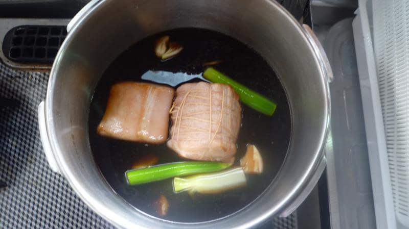 低糖質チャーシューレシピ行程 圧力鍋で煮る