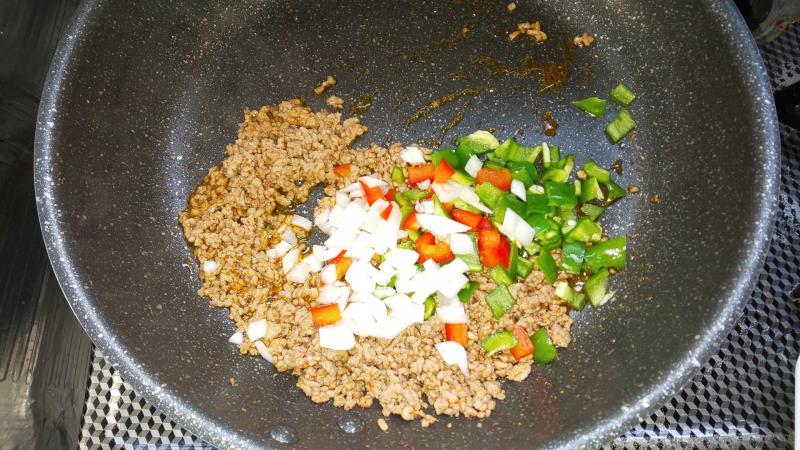 ガパオ野菜と炒める