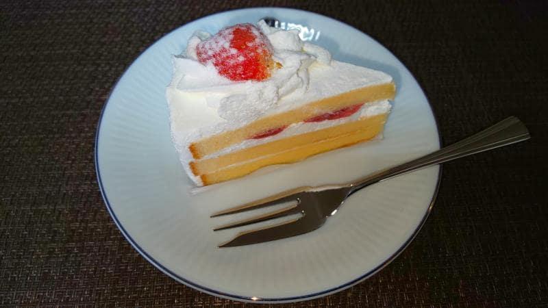 糖質を抑えた苺のショートケーキ